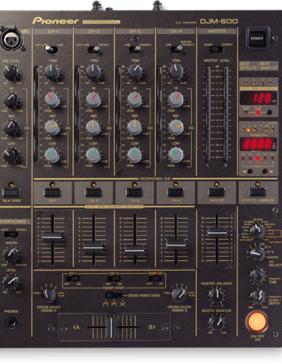 02. Pioneer DJM-600